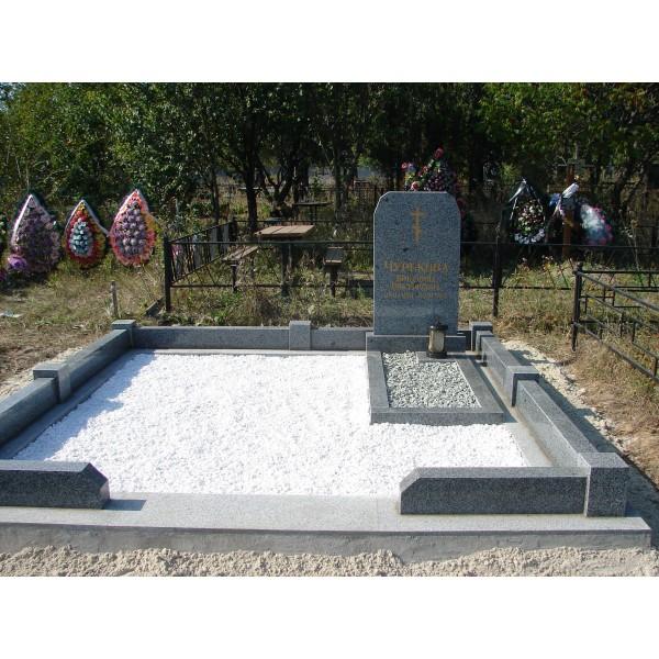 Мемориальный комплекс с крестом Светлый ритуальные услуги памятник на могилу в н.новгороде