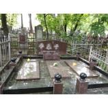 Комплекс на кладбище из гранита Байковое 22 - Фото