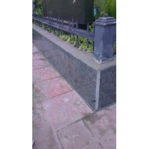 Гранитная плитка на кладбище