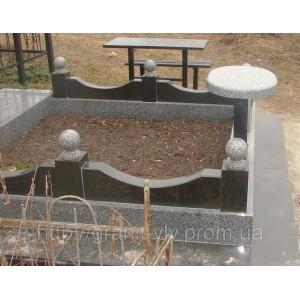 Памятник Мемориальный комплекс гранитный на кладбище