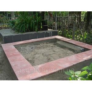 Цоколь бетонный на кладбище