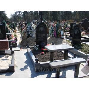 Комплекс на кладбище Киева