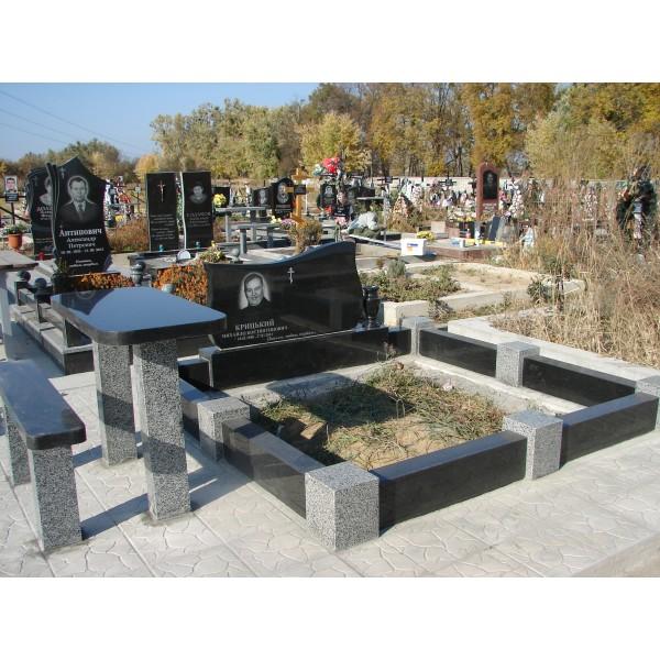 Надгробные памятники из гранита цена с ндс купить памятник в москве недорого большой